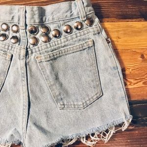 Vintage GAP cut off mom shorts with round studs